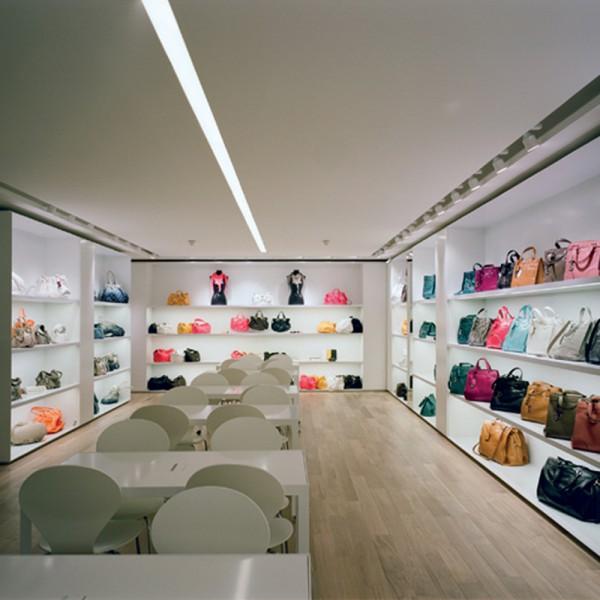 eclairage d 39 un showroom d 39 un magasin de pr t porter trato. Black Bedroom Furniture Sets. Home Design Ideas