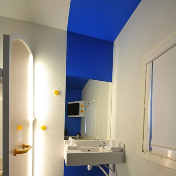 Eclairage d 39 une chambre d 39 h tel trato for Prix d une chambre d hotel formule 1