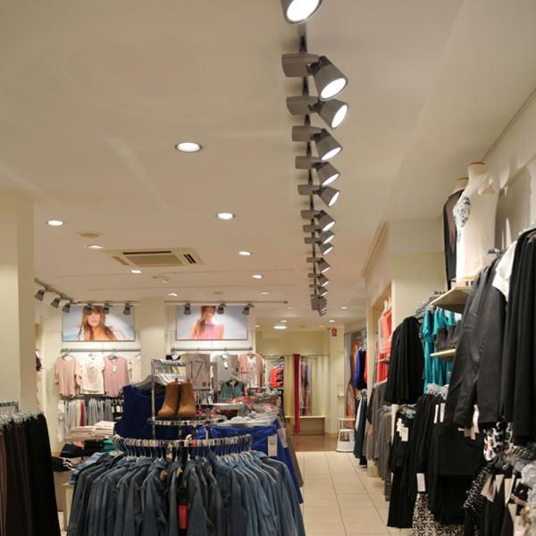 Eclairage d 39 un magasin de pr t porter femmes trato - Boutique pret a porter femme ...